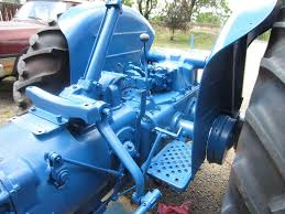 the fordson tractor pages forum u2022 view topic opinions on colors