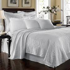 Duvet Vs Coverlet Buying Guide To Quilts U0026 Coverlets Bed Bath U0026 Beyond