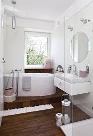 badezimmer weiss 33 ideen für kleine badezimmer tipps zur farbgestaltung