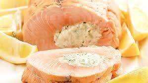 cuisiner le saumon cuisiner saumon entier 28 images recette de saumon entier aux