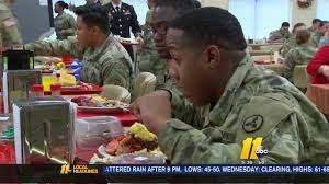 fort bragg soldiers enjoy thanksgiving meal abc11