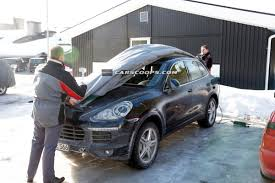 Porsche Cayenne Hybrid Mpg - spied porsche plugs in the new cayenne s hybrid e