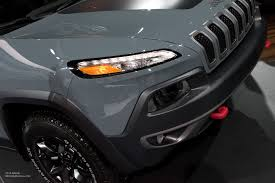 jeep cherokee 2015 2015 naias jeep cherokee trailhawk headlight motoring rumpus