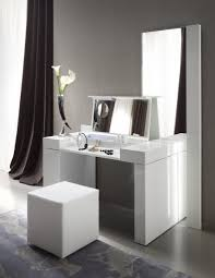 Small Vanity Sets For Bedroom Uncategorized Bedroom Modern Small White Bedroom Vanity Set With