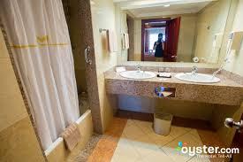 Standard Oceanfront Room Photos At Hotel Riu Montego Bay - Riu montego bay family room