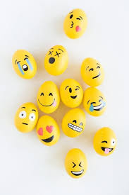 Easter Eggs Decorated Like Minions by Diy Emoji Easter Eggs That Make Us Very Grinning Face