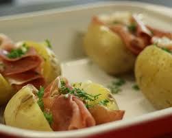 cuisiner pommes de terre recette pommes de terre au four faciles minutes