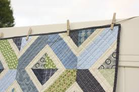 navy and green crib quilt pattern diary of a quilter a quilt