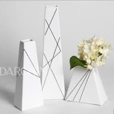 new launched modern ornament white matte ceramic flower vase buy