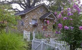Rock Cottage Gardens Eureka Springs Hummingbird Bathroom Amenities Picture Of Rock Cottage Gardens