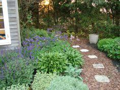Backyard Walkway Ideas by Broken Stone Walkway With Mulch Deck And Yard Pinterest