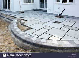 Laying Patio Slabs 28 Laying Patio Slabs How To Lay Paving Slabs On A Driveway