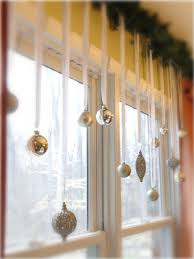 such a simple idea to dress up your windows but it really only