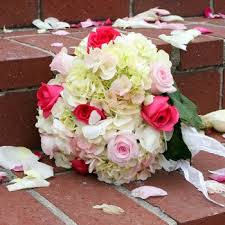 100 Roses Wedding Pack 100 Roses And 15 To 20 Hydrangeas