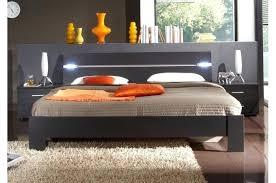 chambre chene blanchi lit chene clair excellent lit enfant effet chne fusain lt x terre