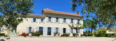 vacation rentals between arles camargue and saint rémy de