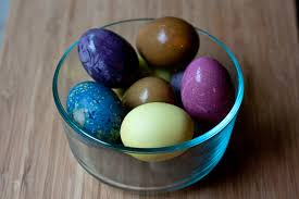 how to dye easter eggs the natural way simple bites