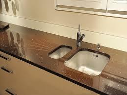 plan de travail cuisine quartz granits déco plan de travail en quartz quarella maron luciente