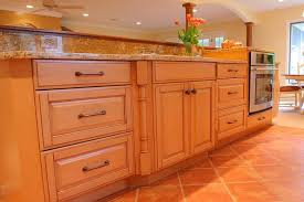 best kitchen cabinets hardware how to choose the best kitchen bathroom cabinet hardware