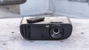 best inexpensive home theater projector best projectors of 2017 the best 1080p and 4k ready projectors