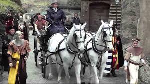 carrozze bianchi l arrivo della sposa in carrozza con i cavalli bianchi