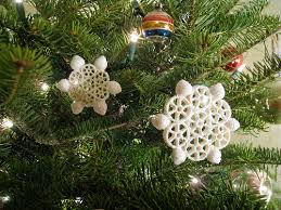 tree worthy diy ornaments snowflake ornaments