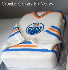 wedding cake edmonton edmonton oilers jersey cake copy crumbs cakery cafe fernie bc