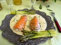 cuisiner des queues de langouste asperges et queues de langoustes au whisky recette entrées