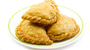 cuisiner restes de poulet recette d apéritif samoussas aux restes de poulet au curry