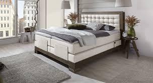 Schlafzimmer Schwarzes Bett Welche Wandfarbe Schlafzimmer Modern Schwarz Weiß Abschließende Auf Schlafzimmer