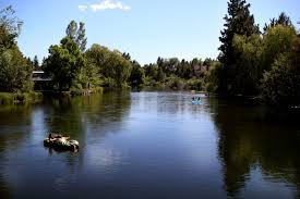 Oregon rivers images 6 lazy rivers in oregon that are perfect for an inner tubing float jpg