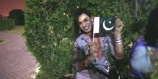 Photo Editor Pakistan Flag Pakistan U0027s Transgender Community Rolls Out 700 Foot National Flag