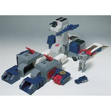 acrobunch toy nippon officialpics transformers encore 23 fortress maximus