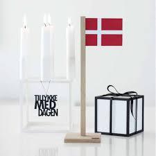 Dansk Flag Dansk Bordflag Med Magnet Egetræ U0026 Læder Felius Dansk Design