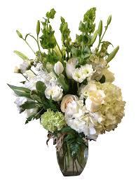 fresh u0026 clean vase arrangements atx flowers flowers are happy
