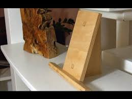 how to make a simple table top easel make a small picture stand display easel youtube
