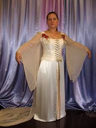 what to wear to a wedding in october renaissance wedding gown october fall wedding gown pagan wear