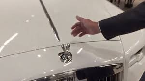 trying to a rolls royce ornament gif on imgur