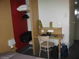 chambre de travail chambre bureau travail photo de b b hotel malakoff parc des
