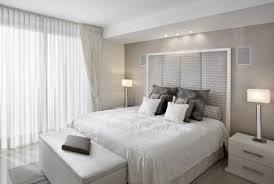 chambre blanche et grise chambre à coucher adulte 127 idées de designs modernes gris