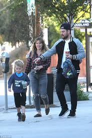 Robin Thicke Spends Quality Time With Son Julian In The Wake Of Divorce Filing Daily Mail Online Hilary Duff Wears Cap Reppin U0027 Ex Jason Walsh U0027s Fitness Class After