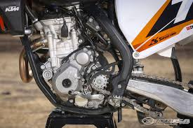 husqvarna motocross gear 2016 ktm 250 sx f u0026 2016 husqvarna fc 250 comparison motorcycle usa