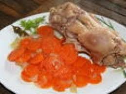 cuisiner des pieds de cochon pieds de cochon aux carottes recette ptitchef
