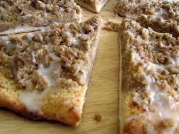 round table pizza gluten free godfather s cinnamon streusel dessert pizza rumbly in my tumbly