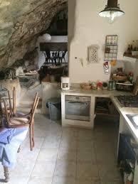 cuisine atypique d o home staging lieux atypique maison troglodyte