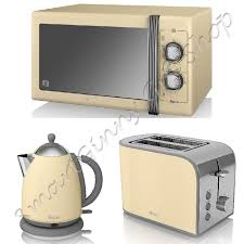 Toaster And Kettle Delonghi Cream Kettle And Toaster Set Distinta 4 Slice Toaster