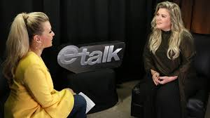 kelly clarkson u0027s going to keep speaking her mind from trump to dr