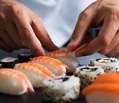 cours de cuisine chef étoilé cours de cuisine de sushis ou papillotes de 120 minutes avec un chef