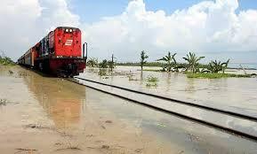 Kereta Api 7 Jalur Kereta Api Terekstrem Di Indonesia Yang Bikin Jantung