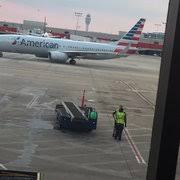American Airlines Gold Desk Phone Number American Airlines 24 Photos U0026 55 Reviews Airlines 6000 N